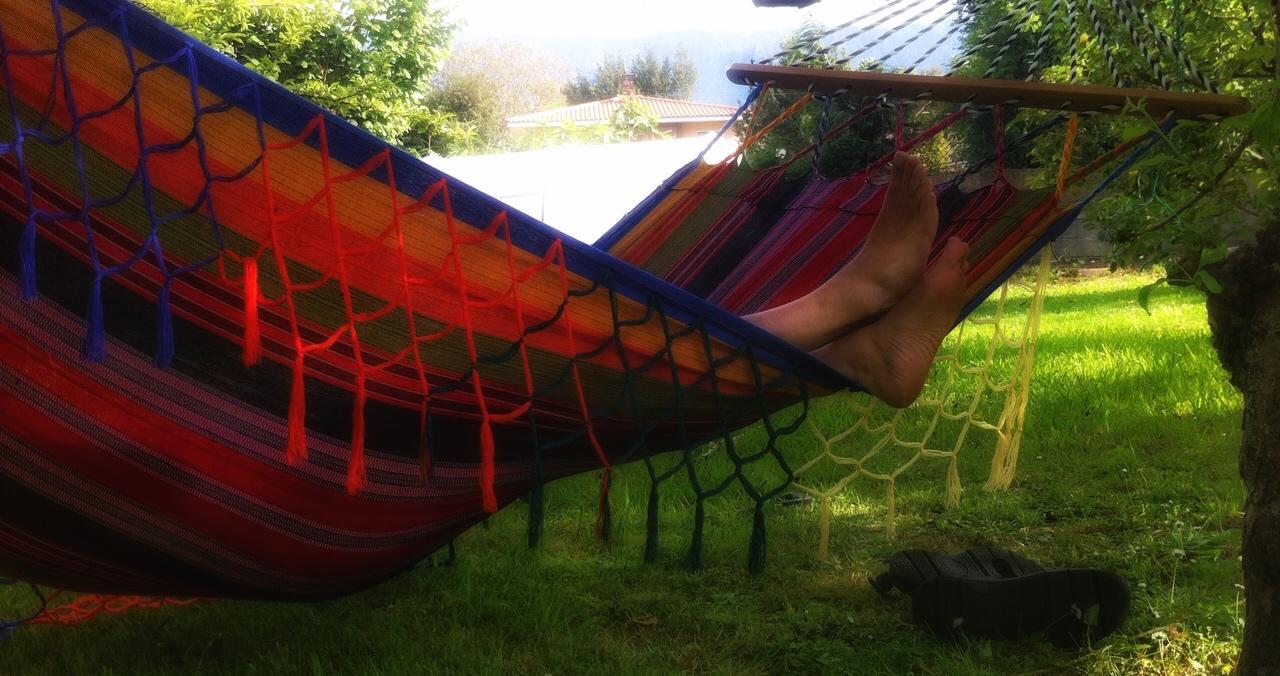 Hamaca en el jardin - ALBERGUE LLANES PLAYA DE POO
