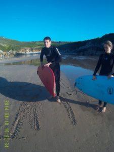 Vamos a surfear!! - ALBERGUE LLANES PLAYA DE POO